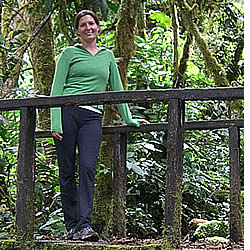 Spanish student taking a break in the Quetzals Trail